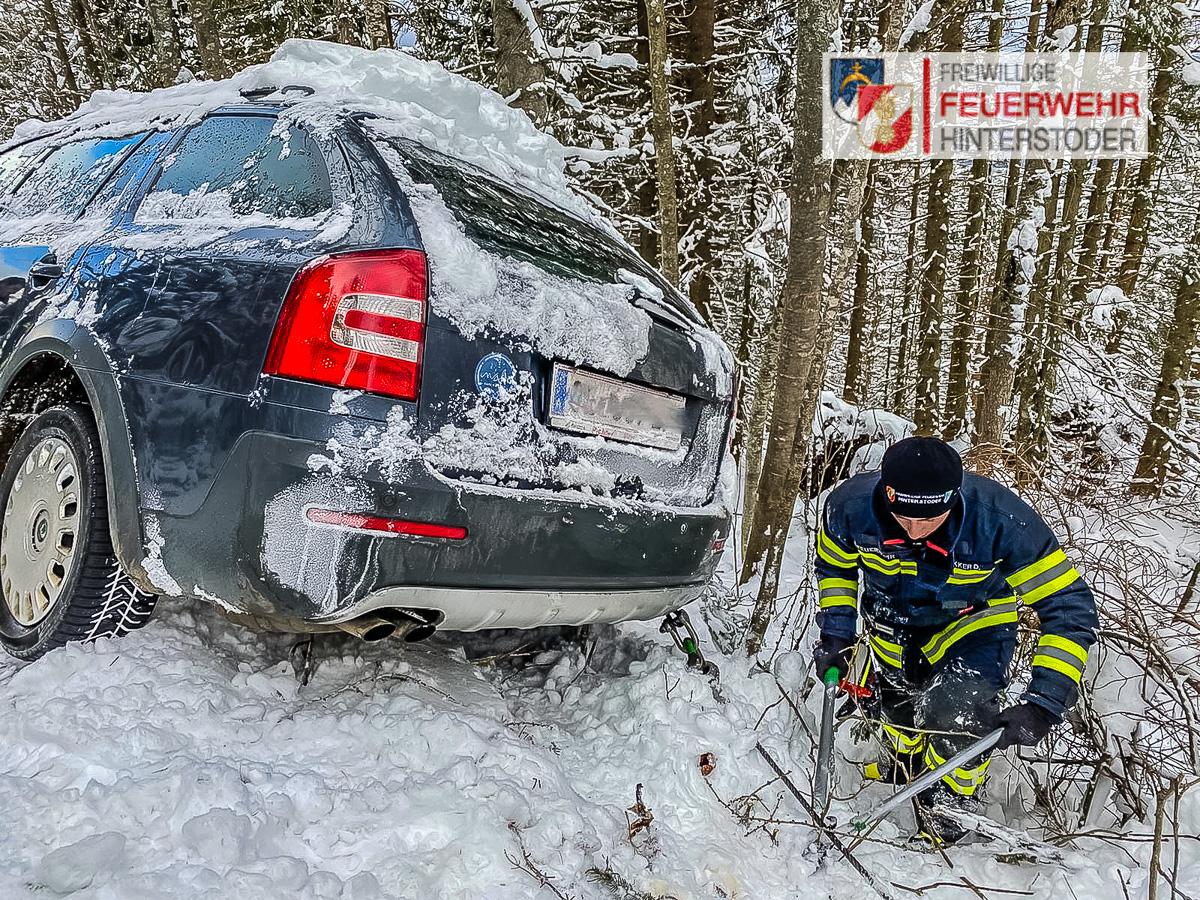 FF Hinterstoder Fahrzeugbergung Hutterer Böden Hinterstoder