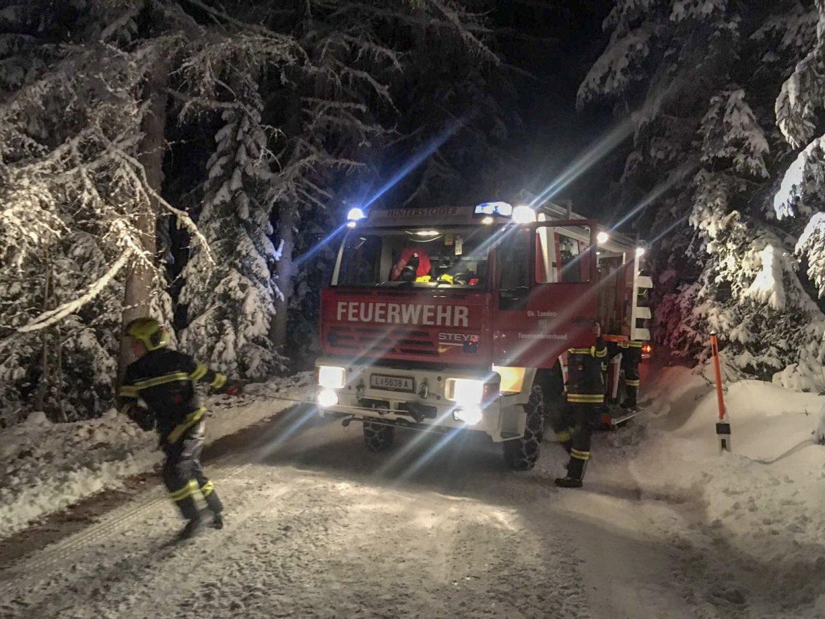 Fahrzeugbergung am 28.11.2018 - Hinterstoder - Höss